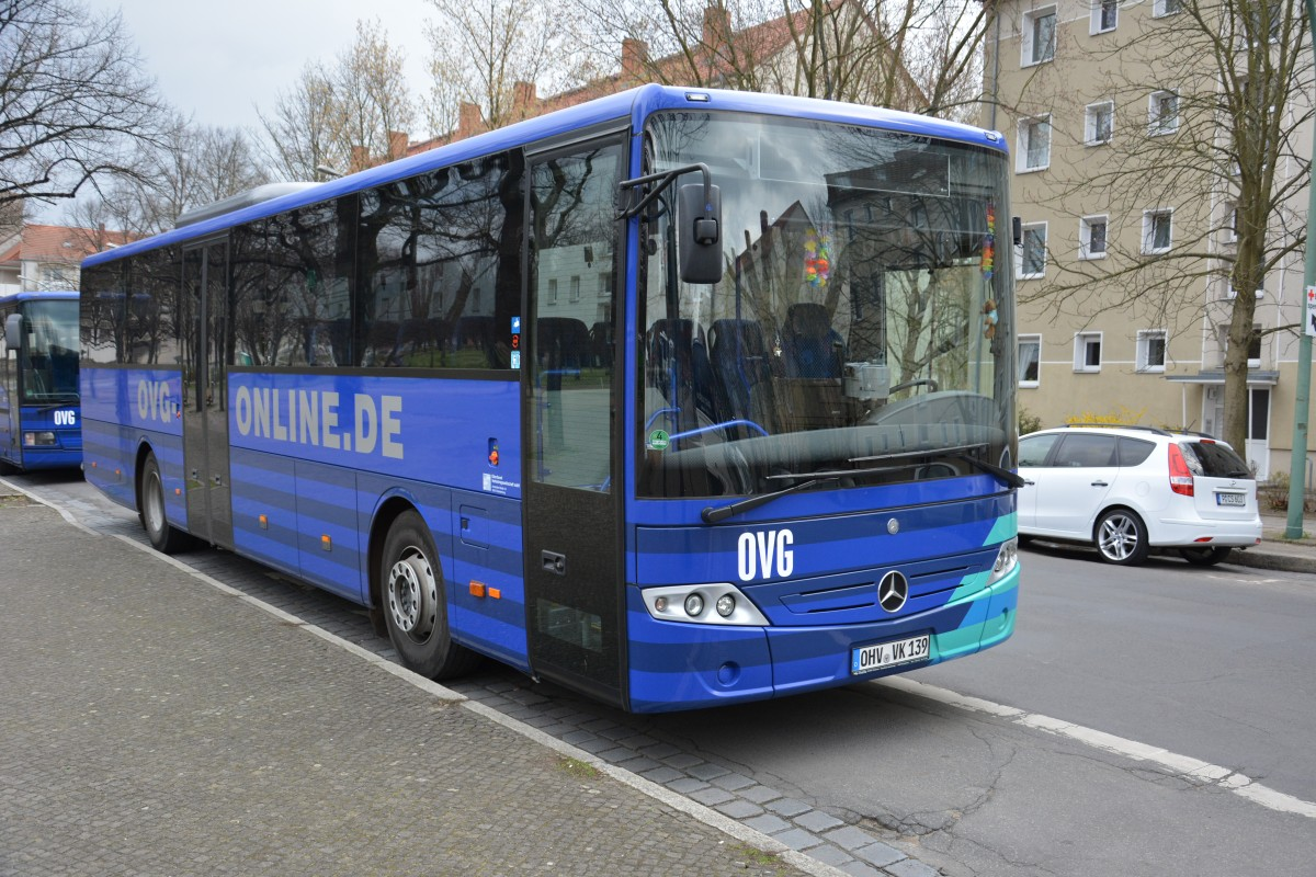 OHV-VK 139 steht am 24.03.2014 (Mercedes Benz O 560 Intouro) am Bassinplatz in Potsdam.